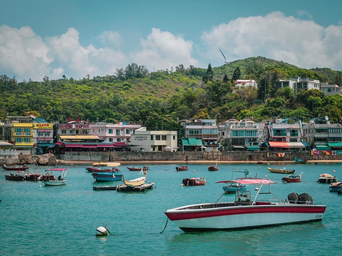Lamma Island: Yung ShueWan